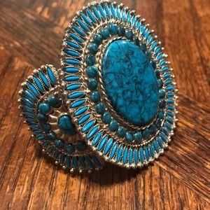 Jewelry - Turquoise look cuff